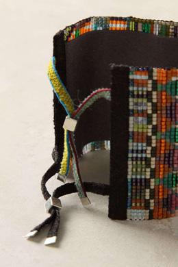 Плетеные из бисера браслеты от ANTHROPOLOGIE